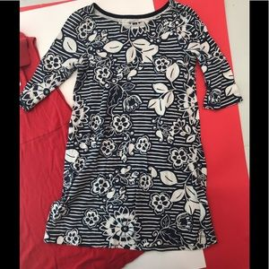 Old Navy, floral navy dress size small - girls
